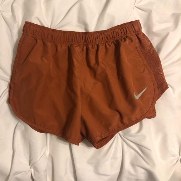 Nike Womens Dry High Cut Tempo Running